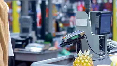 Supermarket Contactless Payment for Purchases at the Checkout