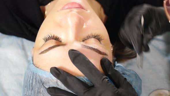 Moisturizing Brows After Permanent Makeup Procedure