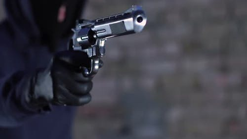 Criminal Aiming Gun at Victim and Demanding Money and Jewels, Street Robbery