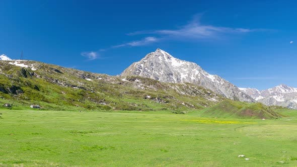 Thumbnail for Panorama of snowcapped mountain peaks in the Alps