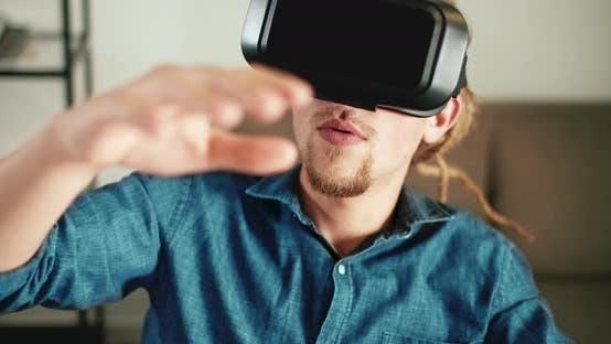 Thumbnail for Using Virtual Reality
