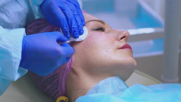 Thumbnail for Cosmetic Procedure to Eliminate Signs of Aging