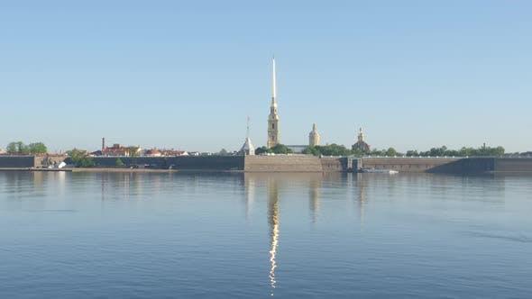Thumbnail for Pierre et Paul forteresse et la rivière Neva dans le matin - Saint-Pétersbourg, Russie