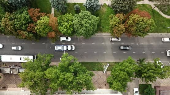 Thumbnail for Antenne von oben nach unten Ansicht von Stau auf einem Auto Straße und Park