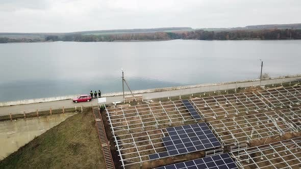 Installing Alternative Energy Solar Panels