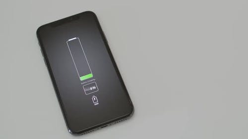 Mobiltelefon aufladen