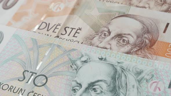 Thumbnail for Stückelungen Tschechiens Kronpapier Banknoten 4K 2160p 30fps UltraHD Filmmaterial - Landeswährung von