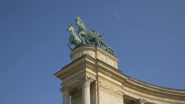 Thumbnail for Statue with horses at the Heroes' Square