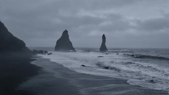 Thumbnail for Waves and Pillars of Iceland