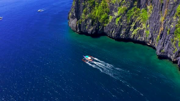 Cover Image for Tourist Boats Float To Travel Between the Islands. Philippines Is One of the Top Tourist