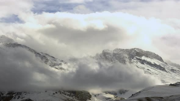 Cover Image for Snowy Mountains and Clouds