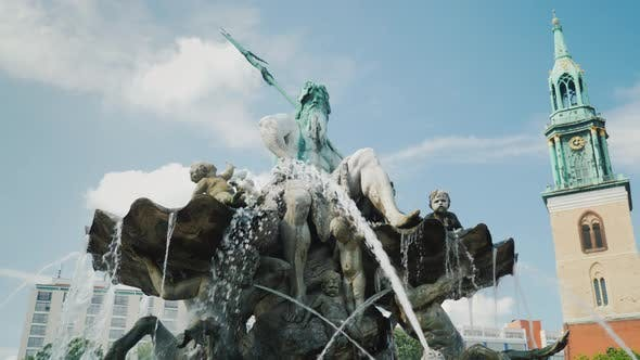 Thumbnail for Steadicam Shot: The Neptune Fountain Is in the Center of Berlin