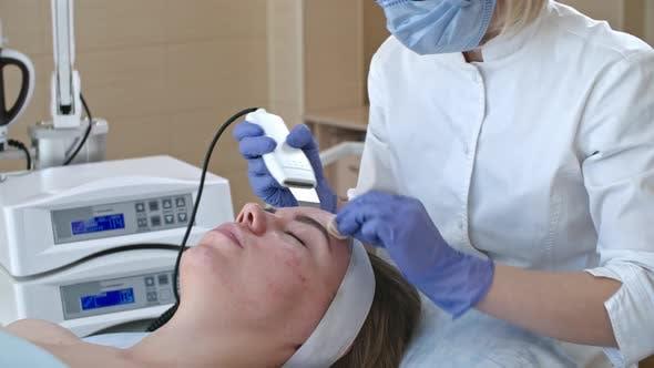 Ultraschallreinigung im Kosmetiksalon