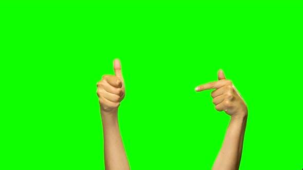 Thumbnail for Hände zeigen etwas, zeigen Daumen nach oben, grüner Bildschirm