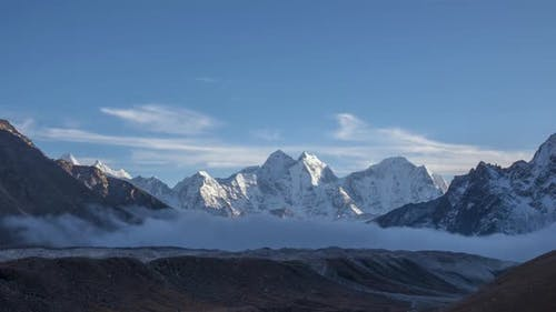 Kangtega and Thamserku Mountains. Himalaya, Nepal