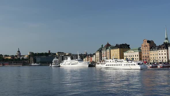 Cover Image for Time lapse from a ferry passing by in front of Gamla stan
