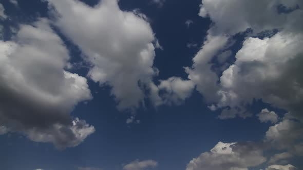 Thumbnail for Time lapse of a bright cloudy sky.