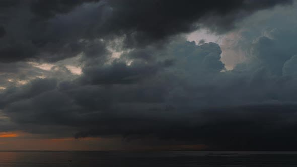 Cover Image for Dramatic Sunset Over Tropical Sea