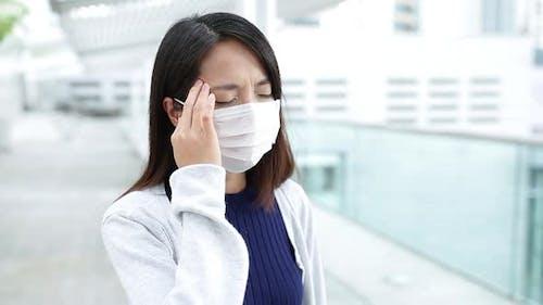 Woman suffer from headache