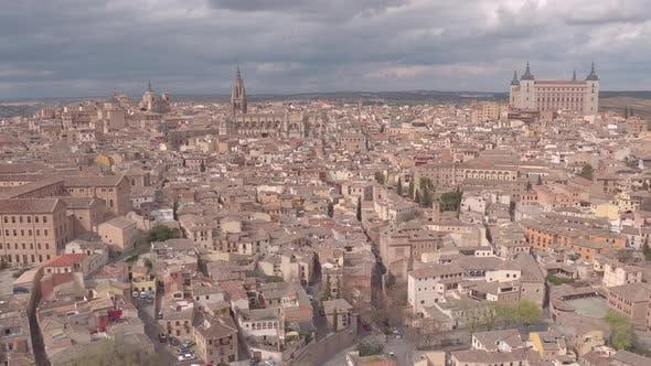 Antenne von Toledo mit der Kathedrale und Alcazar
