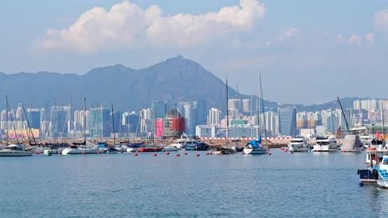Thumbnail for Abri typhon dans la baie de la jetée