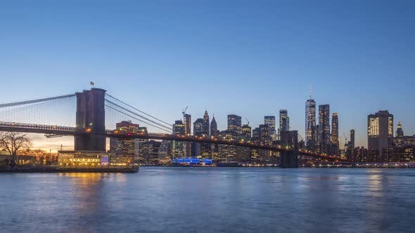 Thumbnail for Cityscape of Lower Manhattan and Brooklyn Bridge, New York in the Evening