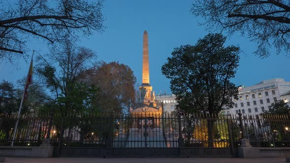 Evening to night timelapse at Dos de Mayo Obelisk