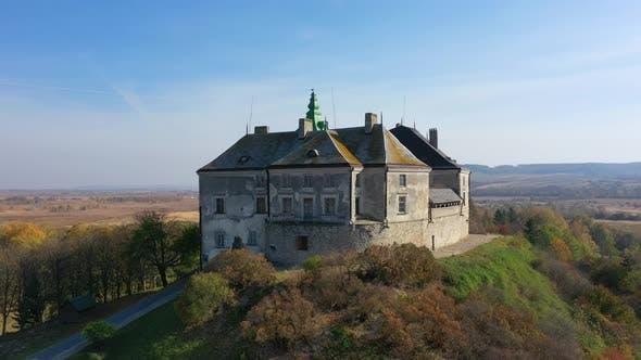 Thumbnail for Luftbild der Geisterburg von Olesko, Ukraine