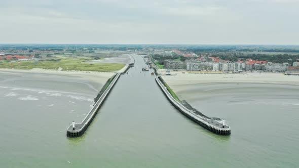 Thumbnail for Nieuwpoort Harbour Aerial Timelapse