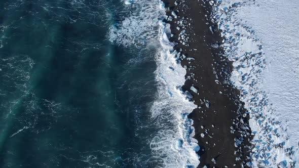 Thumbnail for Icebergs on Black Beach
