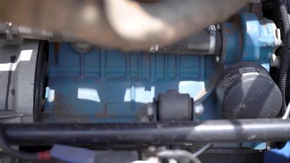 Cover Image for Der Buggy Motor, Getriebe und Auspuffkrümmer befinden sich am Heck. Powertrain Sport-Buggy