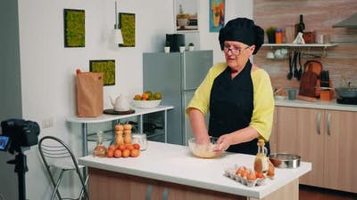 Elderly Food Blogger Streaming Live