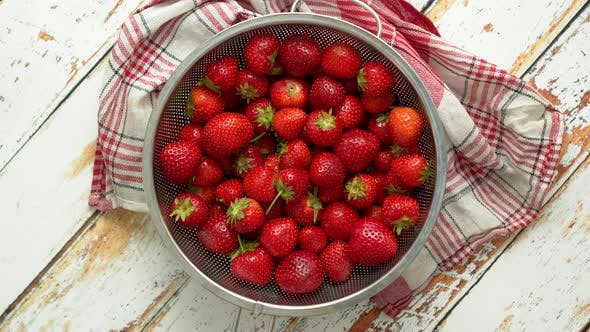 Cover Image for Freshly Harvested Strawberries