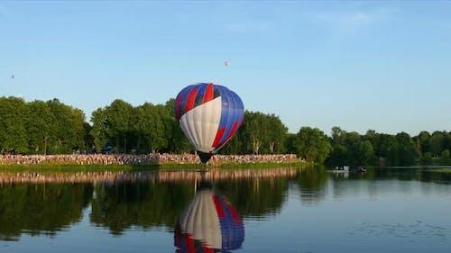 Balloonist Compete