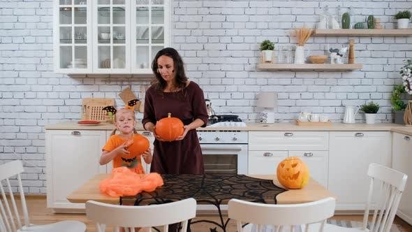 Dekotisch für Halloween-Party in