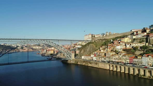 Cover Image for Aerial View of Dom Luis Bridge and Flying Seagulls