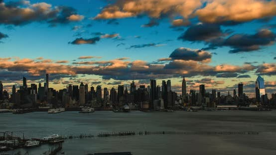 Thumbnail for New York City Skyline With Moving Clouds 3B