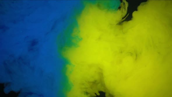 Cover Image for Blue And Yellow Paint In Water