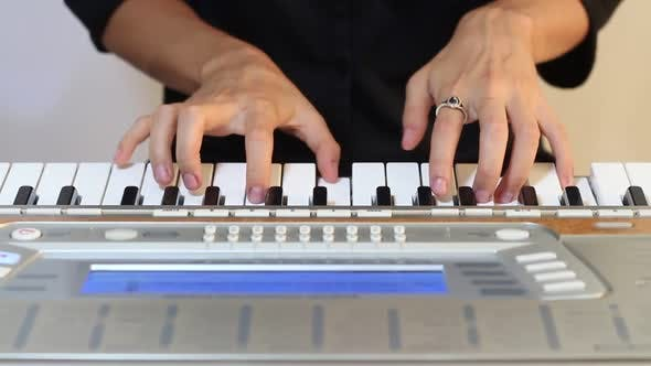 Thumbnail for Music Synthesizer