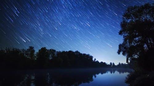Stars Movement Time Lapse at River, Zeitraffer Technic