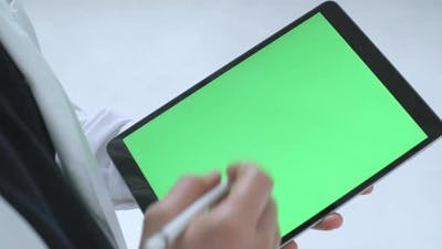 Tablet with chroma key