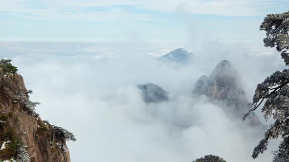 Thumbnail for Time lapse fog surrounding the Yellow Mountains (Huangshan) in China