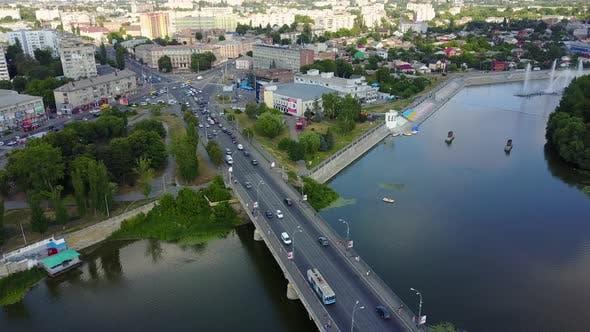 Brücke Straße mit Automobilverkehr