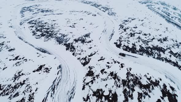Extreme Drift on the Frozen Lake