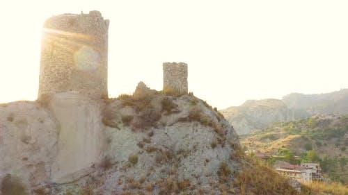 Defensive mittelalterlicher Turm