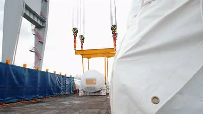 Cargo Shipping, Lifting and Moving the Cargo on the Ropes