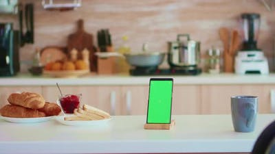 Smartphone with Green Screen