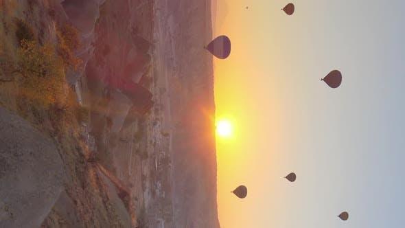 Vertical Video  Balloons in Cappadocia Turkey