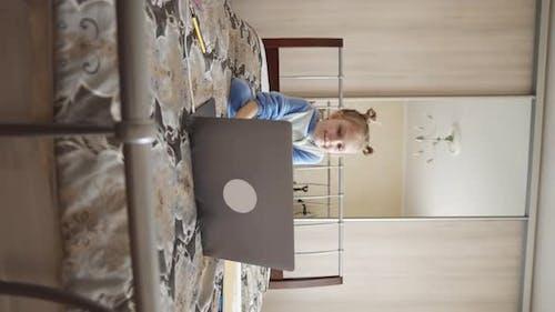 Vertikaler Video Baby Buzzer Online Lernen