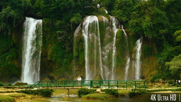Thumbnail for 4K Back of Woman Standing in Front of Bao Gioc Waterfall in Cao Bang, Vietnam